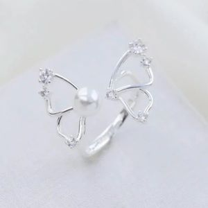 Alicia Bonnie butterfly flutter ring silver